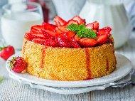 Мързелив, бърз и лесен кекс със сладко от ягоди, орехи и ванилия (с бакпулвер) във форма